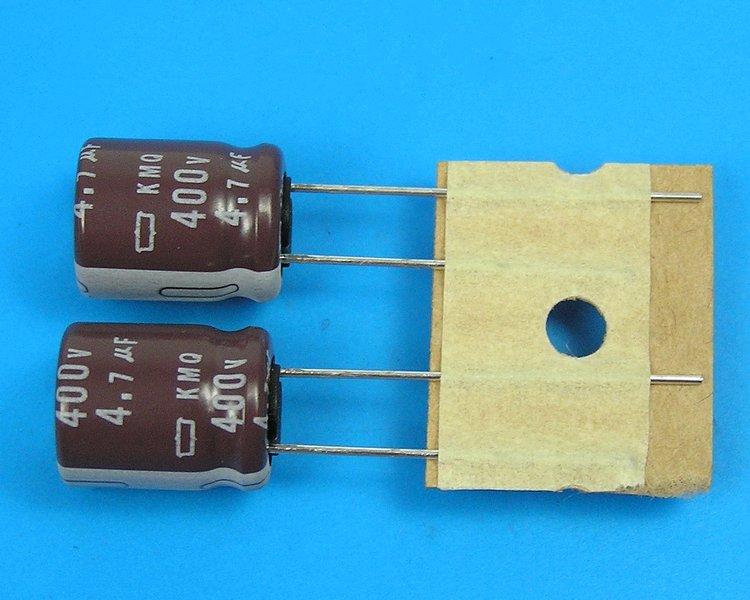 2700uF/6,3V - 105°C Yageo SEK kondenzátor elektrolytický