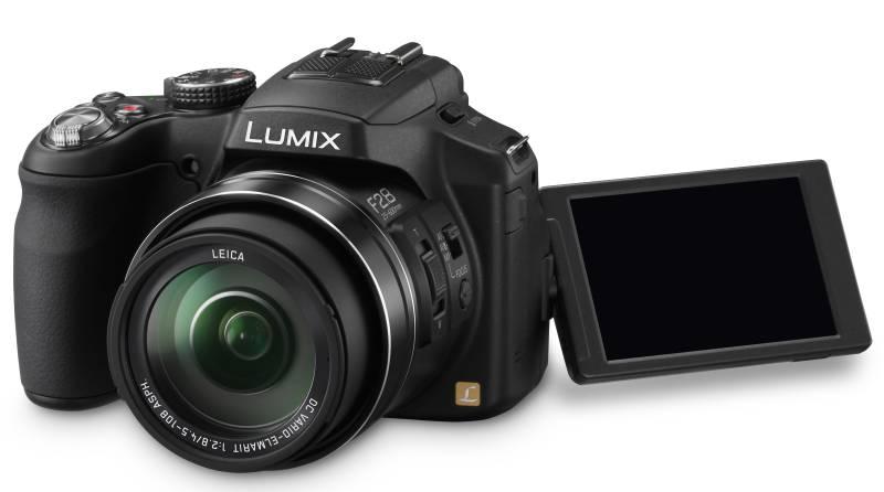 Panasonic DMC-FZ200EP9, 12.1Mpx MOS, 24x zoom 25mm, POIS, Full HD stereo, 3D, černá